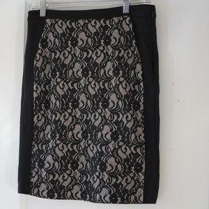 Black and cream lace washable skirt, size 4